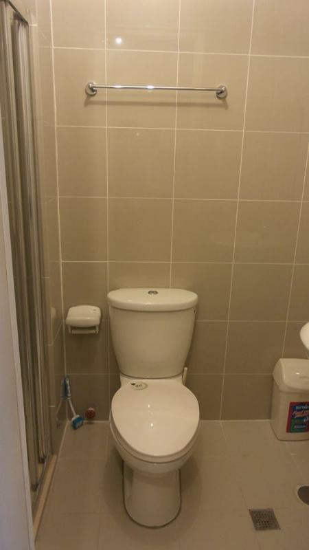 Un WC pulito nel bagno.