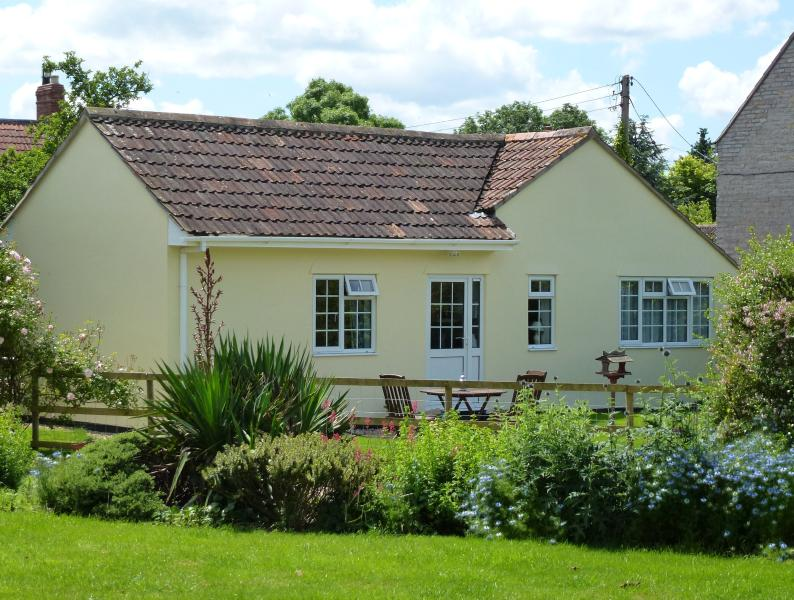 Leep Cottage with its own garden space overlooking the main gardens