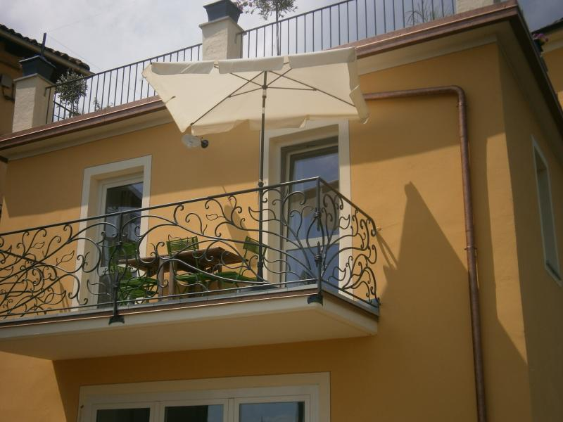Apartment among wine fields with panoramic view, vakantiewoning in Trisobbio