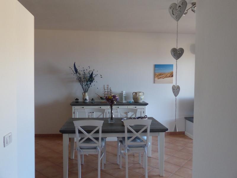 Mare, relax e splendida vista su Castelsardo, location de vacances à Castelsardo