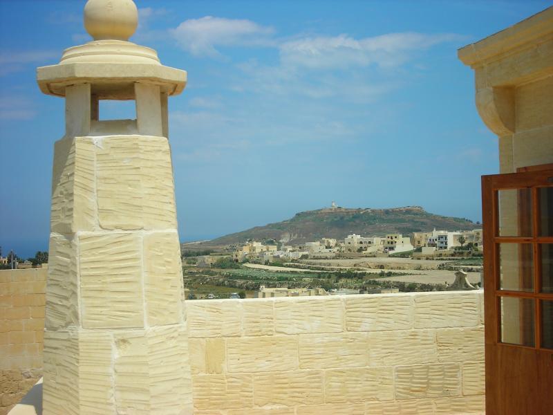 Island of Gozo Farmhouse in Gharb Ta' Sant' Antnin, location de vacances à Île de Gozo