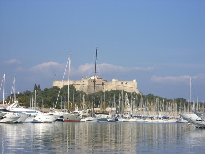 Port Vauban (apenas 100 metros do apartamento)