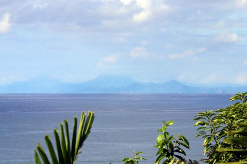 En un día claro puede ver Martinica al norte...