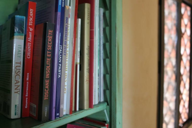 Algunos libros y guías en Inglés / italiano / francés están disponibles dentro de Il Visciolo