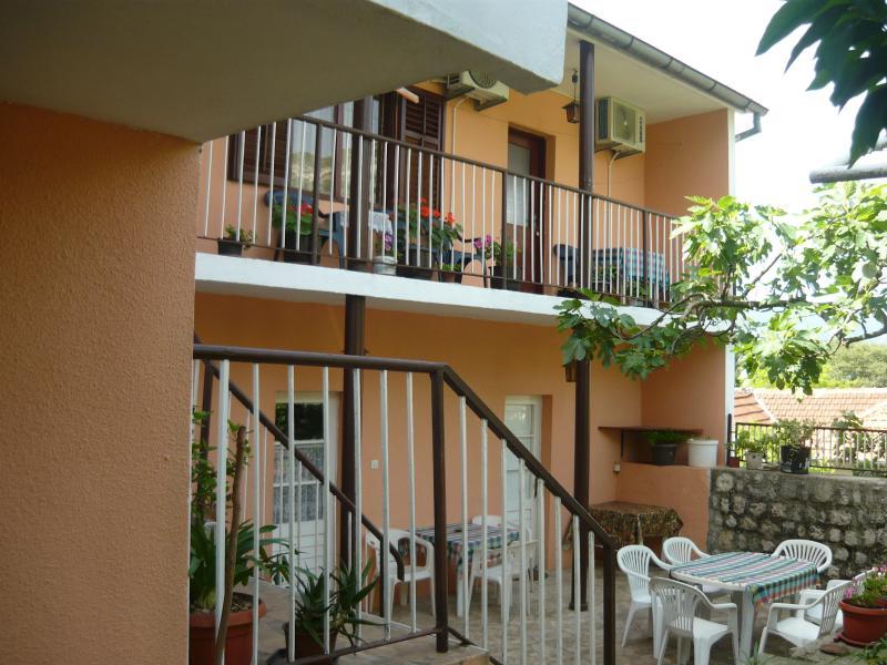 Rooms Banićević, holiday rental in Bogetici