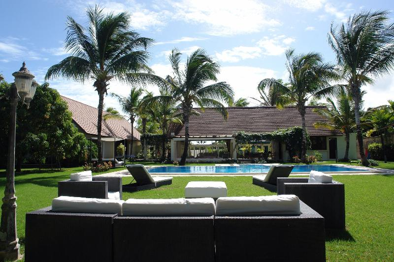 Amazing familiar villa caribbean style!!, vacation rental in Punta Cana