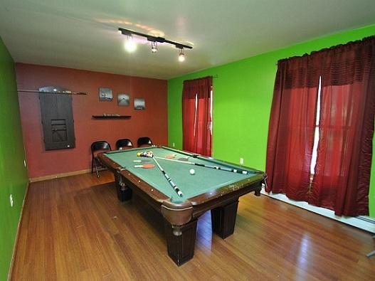 Game Room - Pool Table with DartBoard