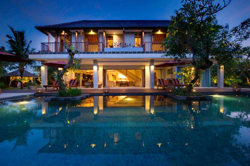 East Residence - an idyllic hideaway in Canggu, holiday rental in Tanah Lot