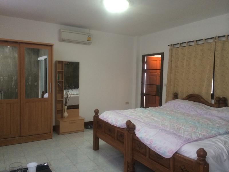 Natural aviary Room, holiday rental in Lamphun