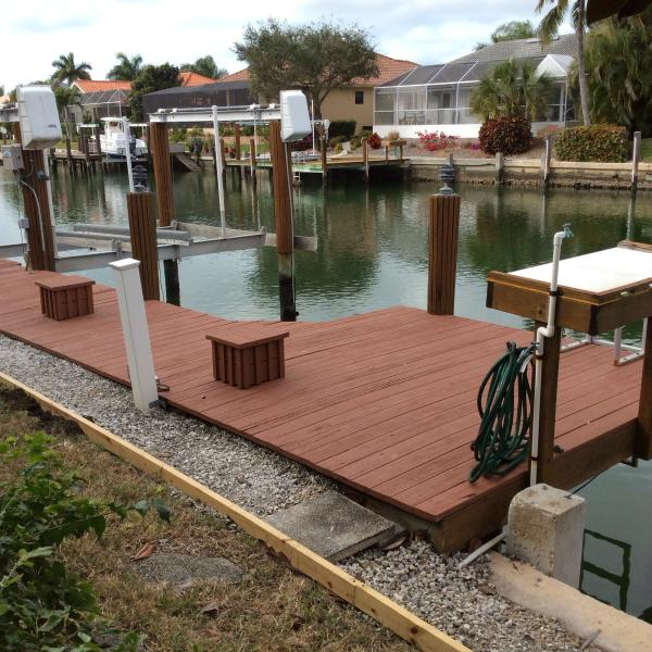 Mid canal location with dock (sorry, boat lift is not available)