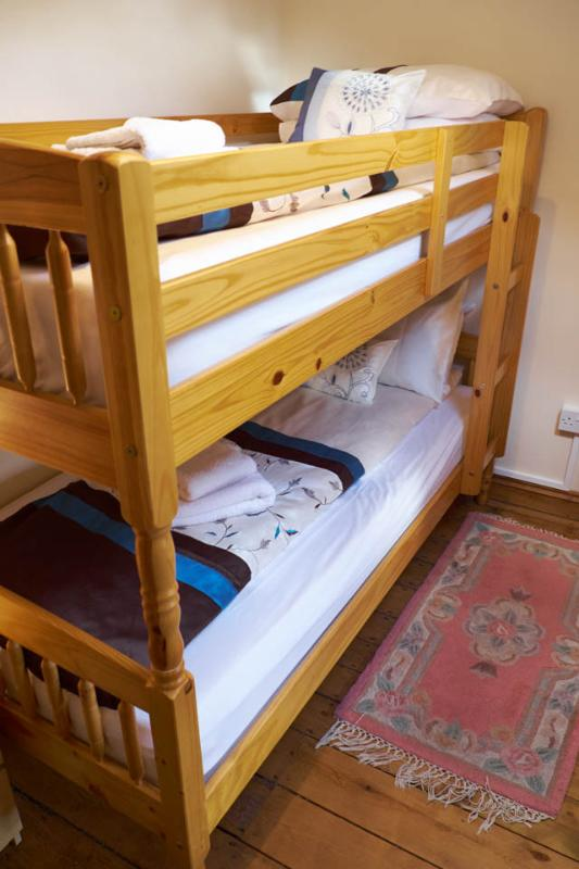 Koje-Bett-Zimmer mit Zentralheizung Heizkörper