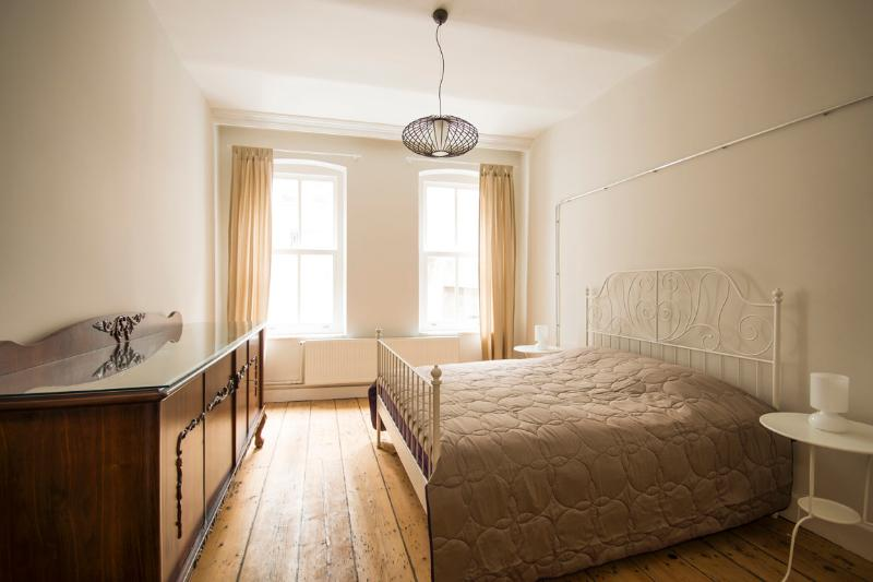 CasaLoBueno#2 Comfort by the Galata Tower, vacation rental in Istanbul