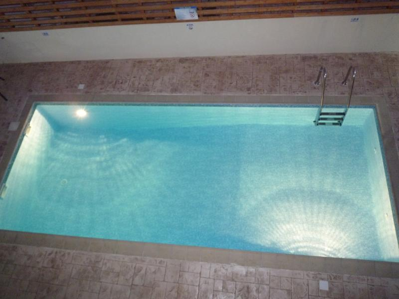 8 x 4 fully lit private pool