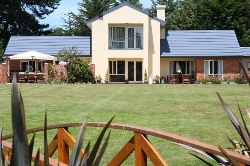 the meadows Villa christchurch, vacation rental in Christchurch