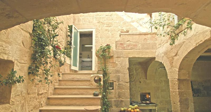 no.2 Labini 500 year old house of character, vacation rental in Bahar ic-Caghaq
