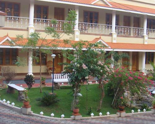 KARTHIKA PLAZA RESORT, holiday rental in Varkala Town