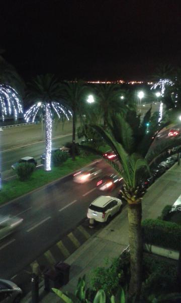 balcón de noche