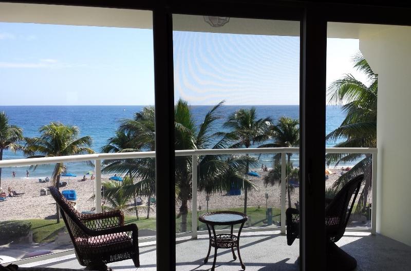 BEACH FRONT HAVEN - Ocean view, Deerfield Beach FL, holiday rental in Boca Raton