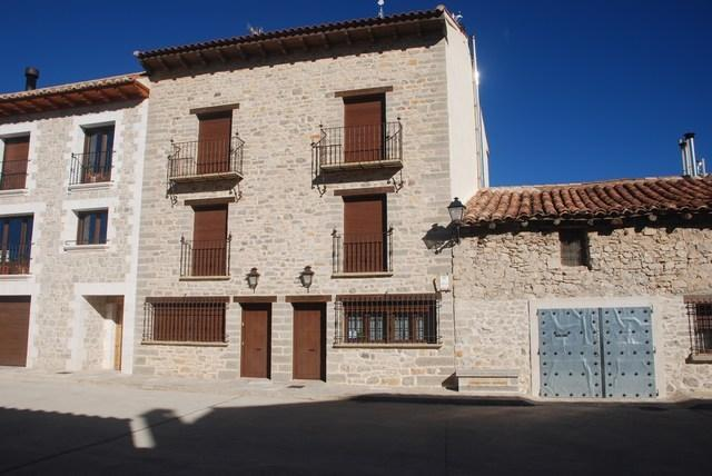 El Casal de Nicolás 6 (12 a 28 personas), holiday rental in Province of Teruel