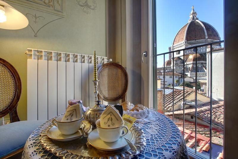 Romantic apartment with amazing view, vacation rental in Florence