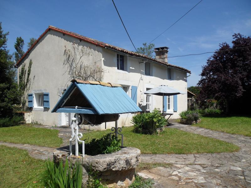 Chataigne House, a traditional Charantaise farmhouse on a small complex with 3 gites