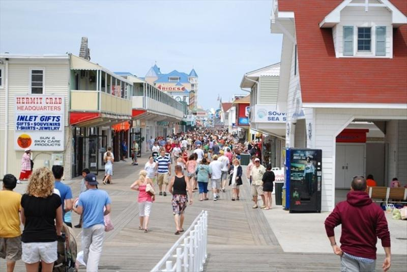 The famous OCMD boardwalk - 5 min drive from condo - park in municipal lot!