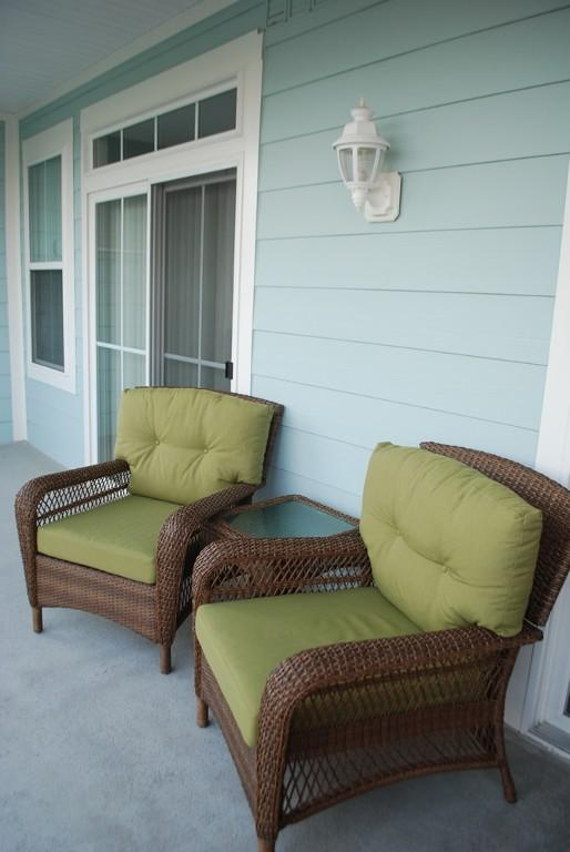 Oversized Comfortable Martha Steward Living Charlottetown Wicker Balcony Chairs