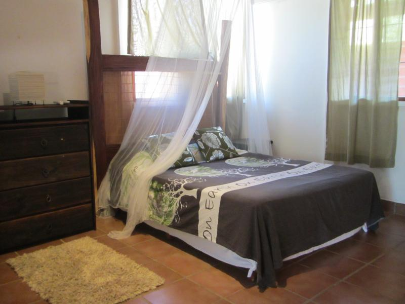 Newly Renovated 1 Bedroom Apt With Full Kitchen - Live under the sun Casa Limon