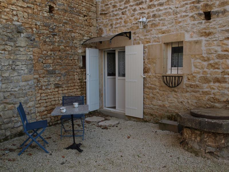 Le Bois de l Eglise. Gîte 3. The Stables, holiday rental in La Foret de Tesse
