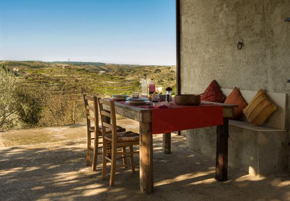 180º views across the valley when you dine outside.