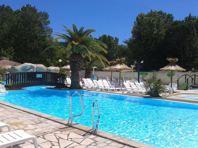 Mobilhome  4/6p Grau du Roi camping EDEN 5*, vacation rental in Le Grau-du-Roi
