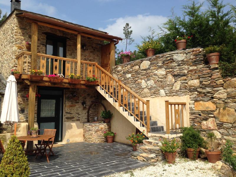 Nearby ocean farmhouse O VENTURO, location de vacances à Manon