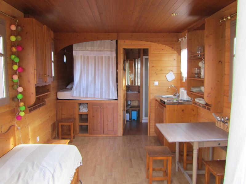 Eine geräumige und komplett ausgestattete Wohnwagen