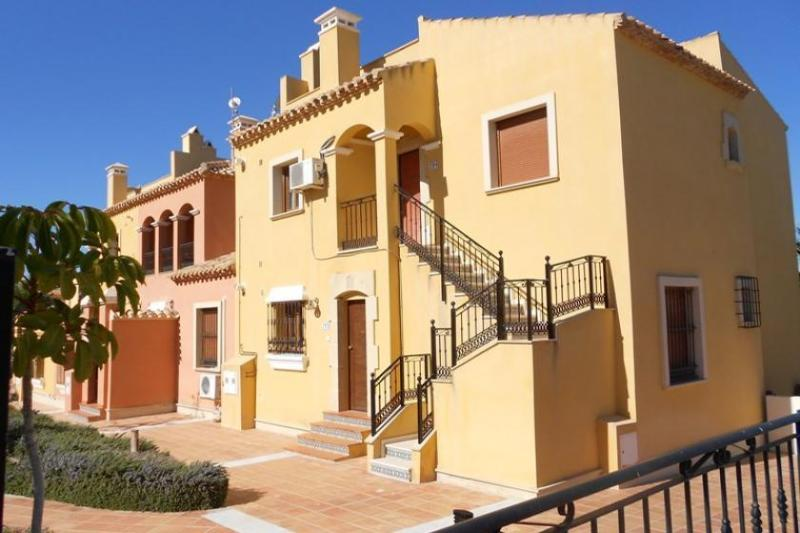 Luxury 2 Bed Apartment on La Finca Golf, holiday rental in Algorfa