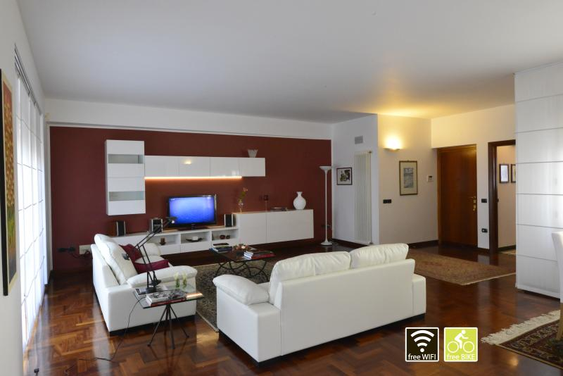 Your Home away from Home, Ferienwohnung in Marsala