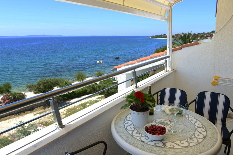 Apartment for 4, Villa Katarina Petrčane, Croatia, holiday rental in Petrcane