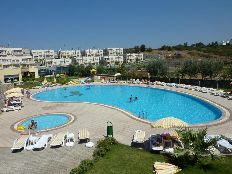 Ardea 45 Luxury Apartment, holiday rental in Dorttepe