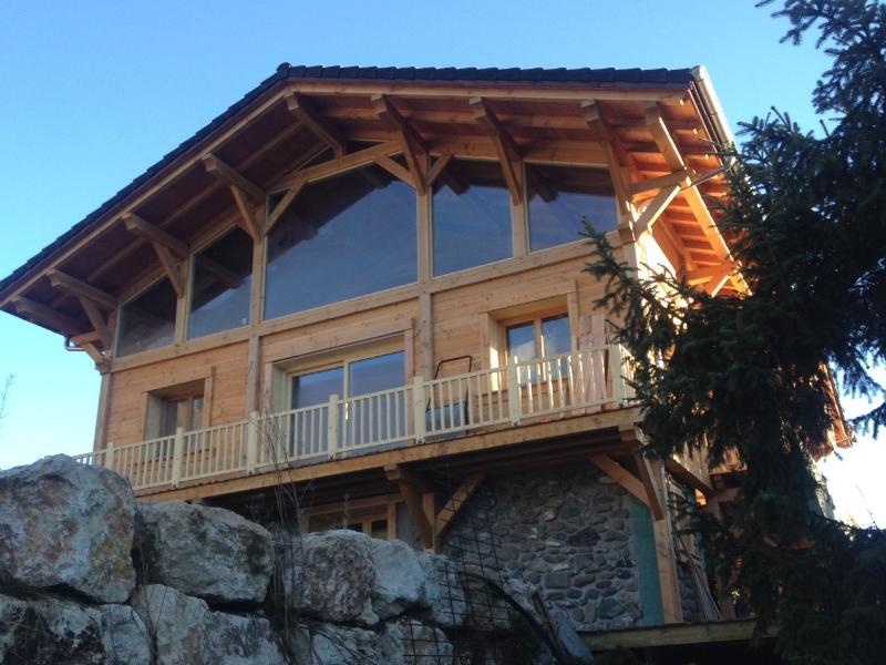 Chalet Winterfell (previously Stugan), aluguéis de temporada em Haute-Savoie