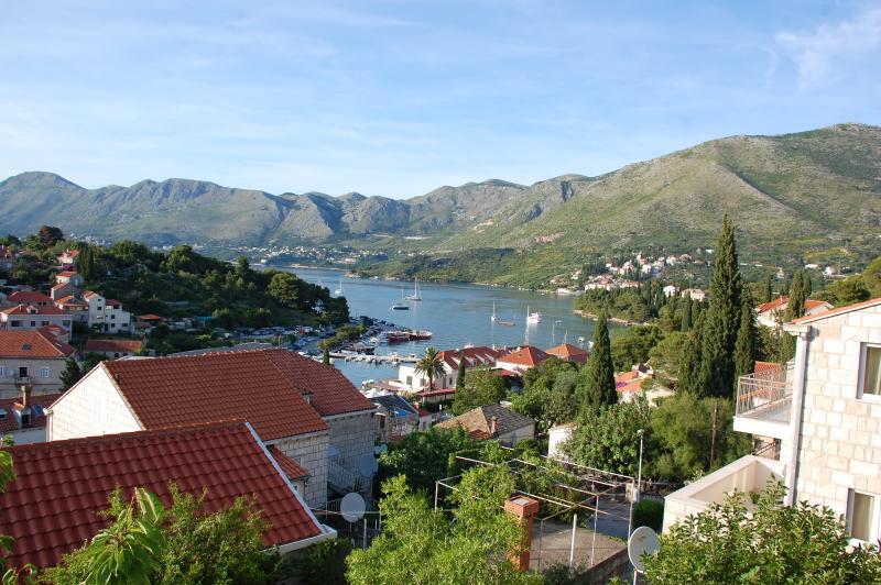 Villa Nona APT 2 - 5 pax, 90 sqm, sea view, location de vacances à Cavtat