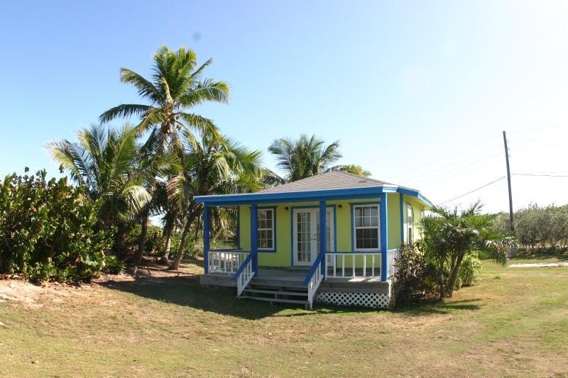 Green 1 bedroom Cottage #6, holiday rental in Little Exuma