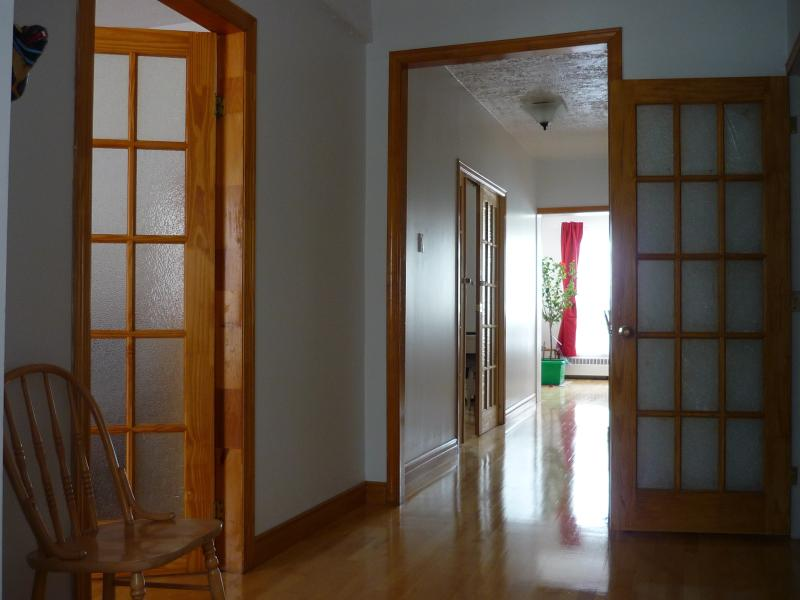 Two bedrooms appartment, holiday rental in Terrebonne