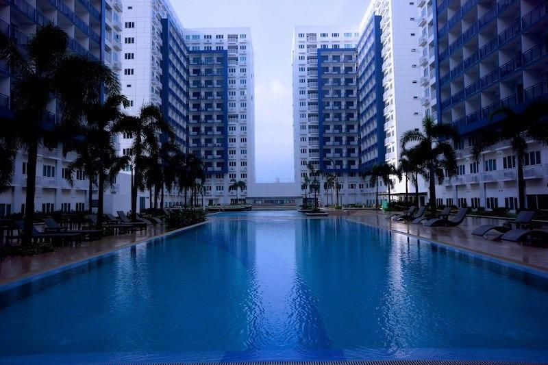 Holiday Condo In MOA Complex with balcony, vacation rental in Pasay