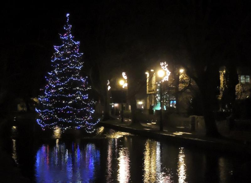 Bourton on the Water celebrates Christmas