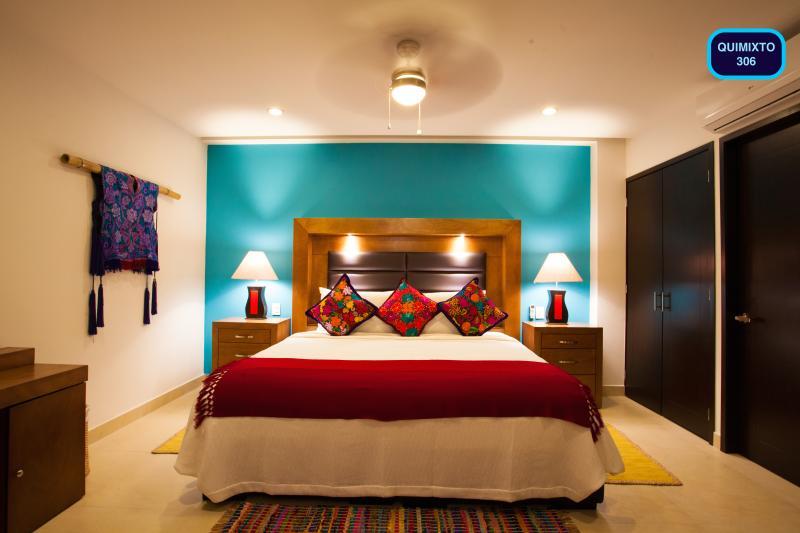DORMITORIO CAMA KING SIZE / CLOSET / BAÑO COMPLETO / SEGUNDO BEDR cama de tamaño full además de baño