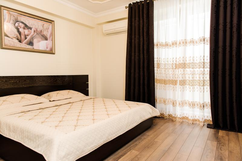 ELITE APARTMENT IN CENTER OF CHISINAU, vacation rental in Chisinau