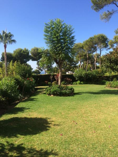Beautiful sea view, 2 bed garden apartment in Miraflores