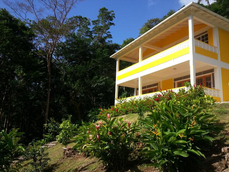 Mango Garden Cottages - Villa, holiday rental in Dominica