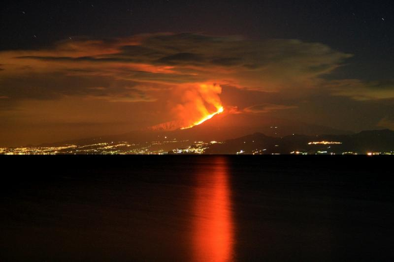 etna eruption (view from sea)