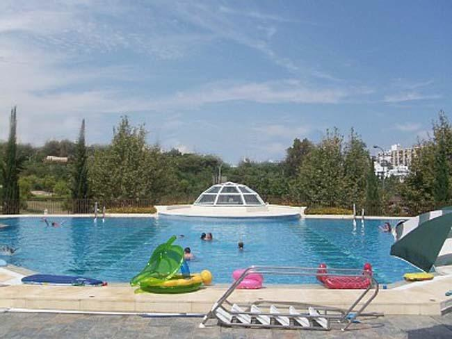 Large Outdoor Pool with Lifeguard
