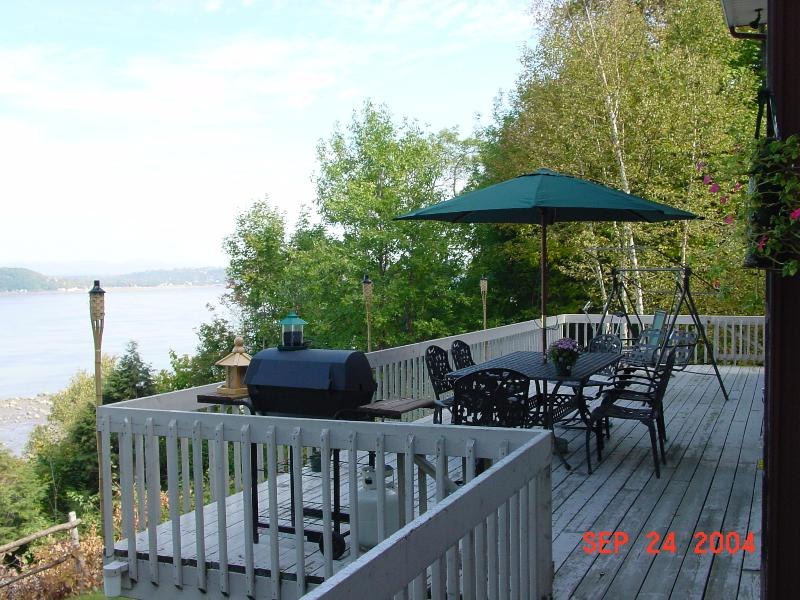 River Side Deck with 180 Degree View